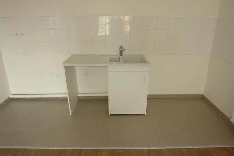Rental apartment Morangis 747€ CC - Picture 2
