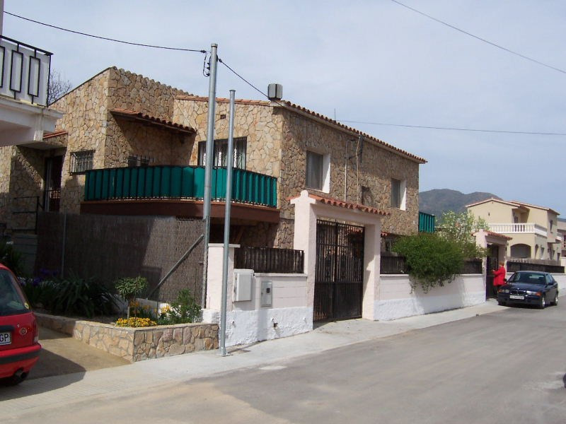 Sale house / villa Roses 320 000€ - Picture 1