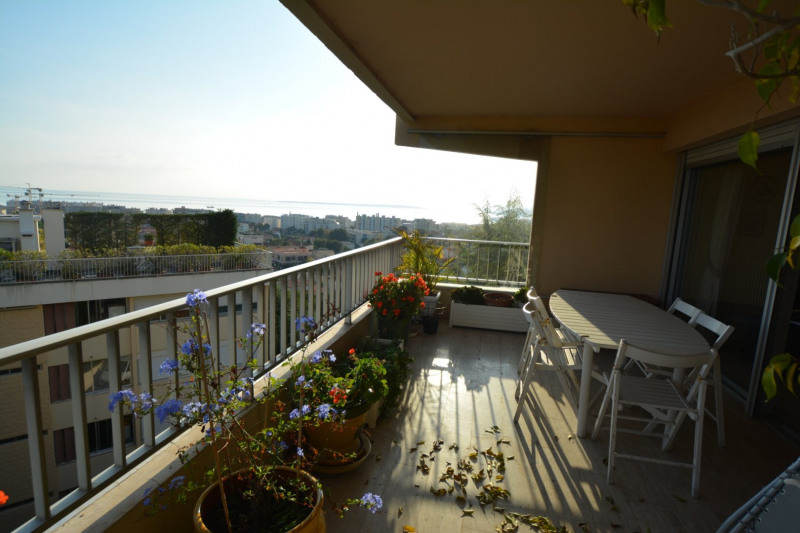 Deluxe sale apartment Antibes 693000€ - Picture 3