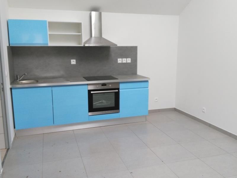 Rental apartment Henonville 690€ CC - Picture 1