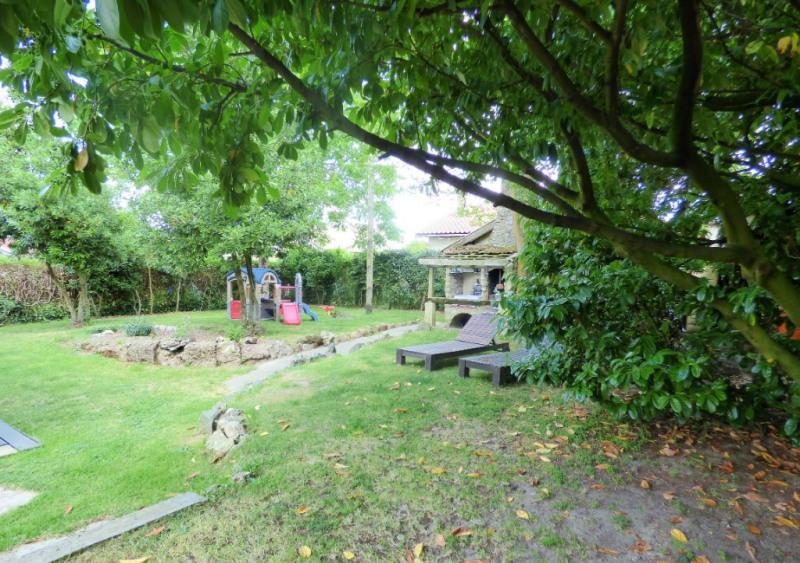 Sale house / villa Saint loubes 400000€ - Picture 10