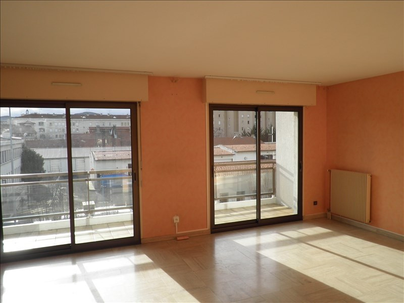 Rental apartment Le puy en velay 569,75€ CC - Picture 2