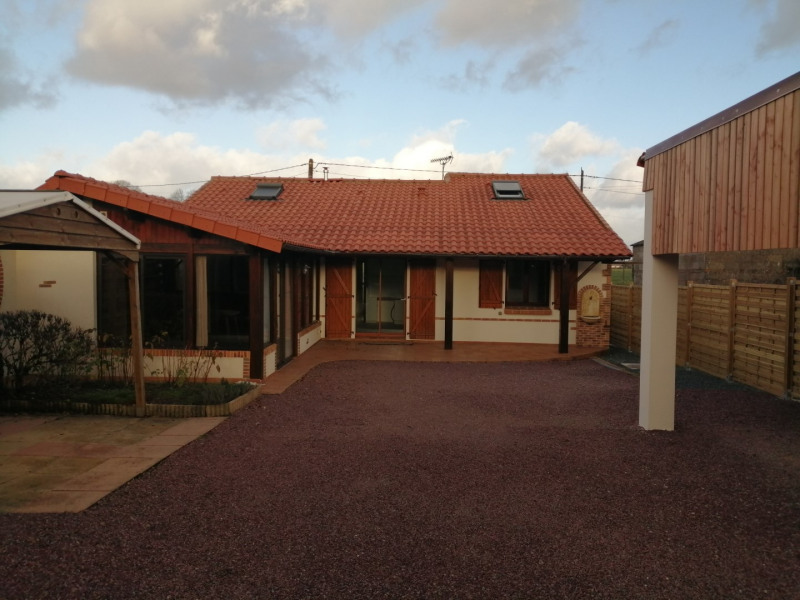Sale house / villa Montbert 258000€ - Picture 1