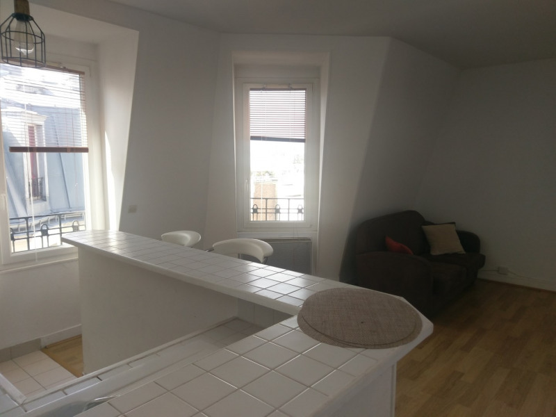 Rental apartment Paris 15ème 1 240€ CC - Picture 1