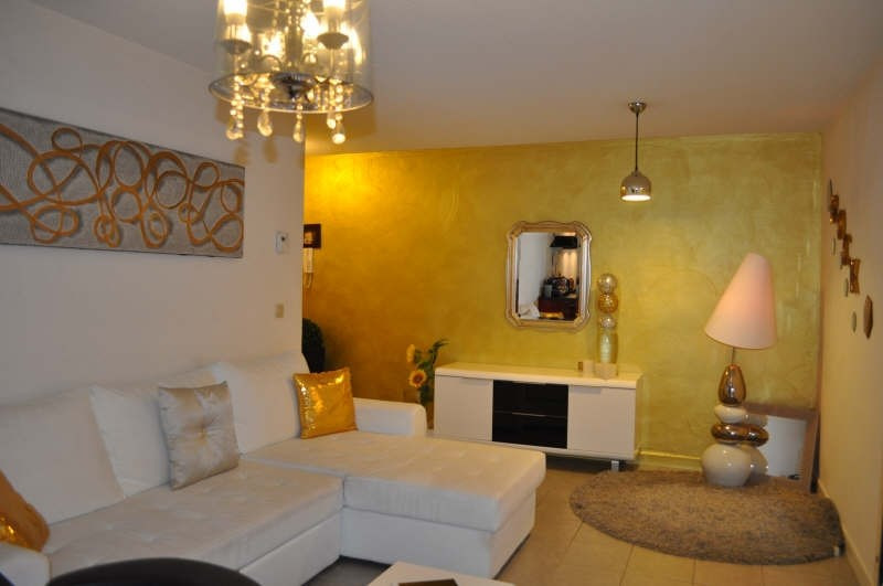 Rental apartment Sallanches 645€ CC - Picture 2