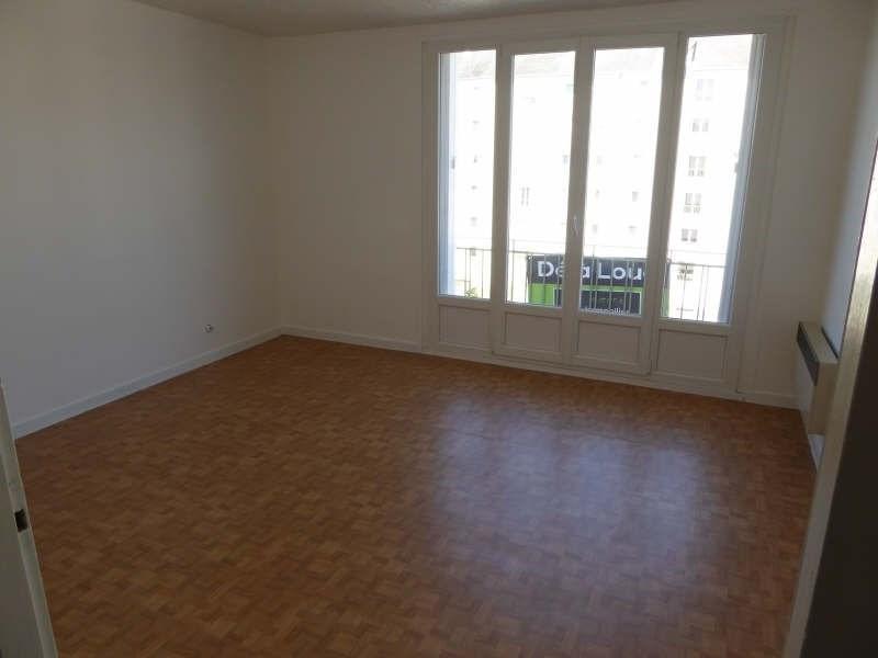 Rental apartment Maurepas 516€ CC - Picture 1