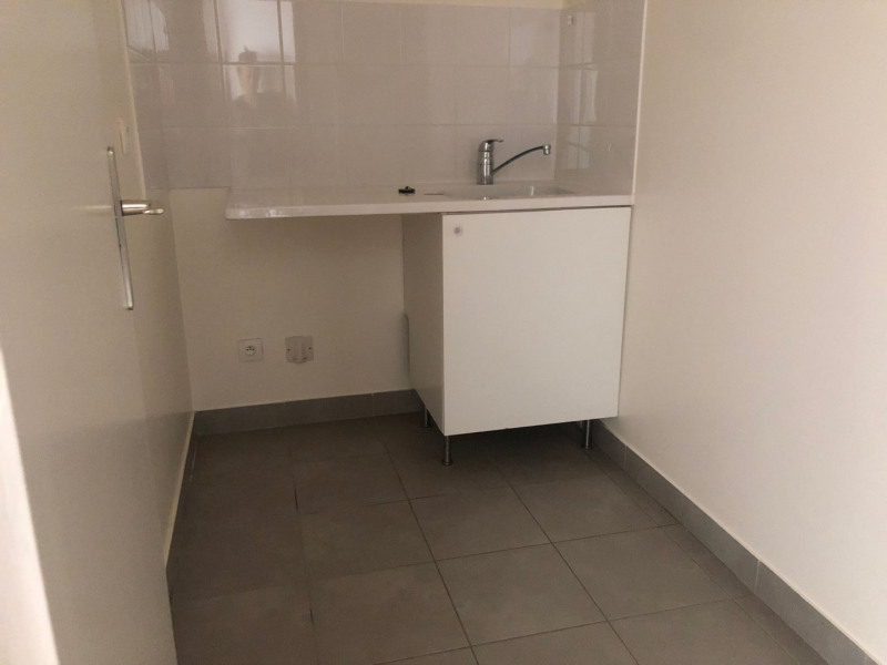 Location appartement Paris 17ème 1 006€ CC - Photo 4