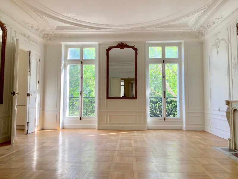 Location appartement Paris 10ème 4 500€ CC - Photo 1