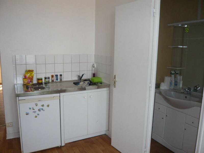 Location appartement Laval 327€ CC - Photo 3