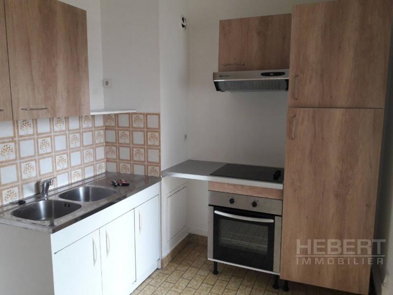 Rental apartment Sallanches 712€ CC - Picture 4