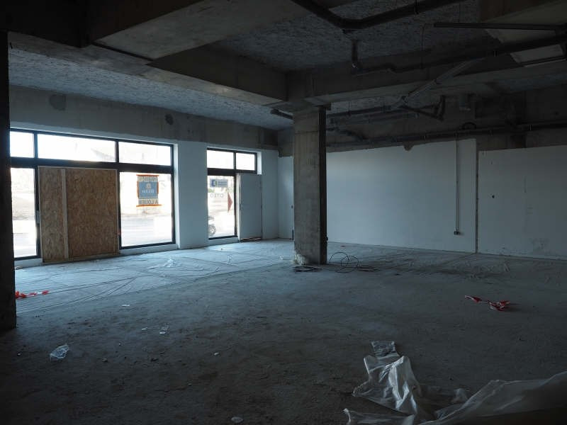 Location local commercial Caen 1 350€ HT/HC - Photo 4