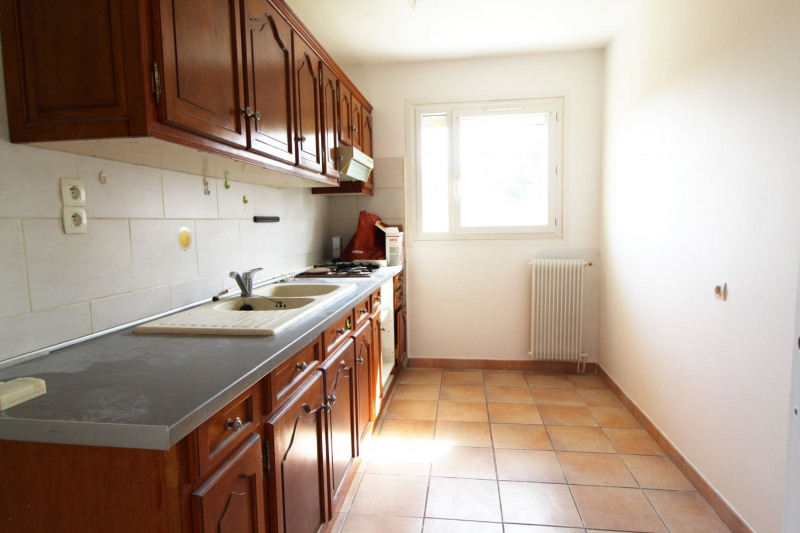 Location appartement Maurepas 821€ CC - Photo 3
