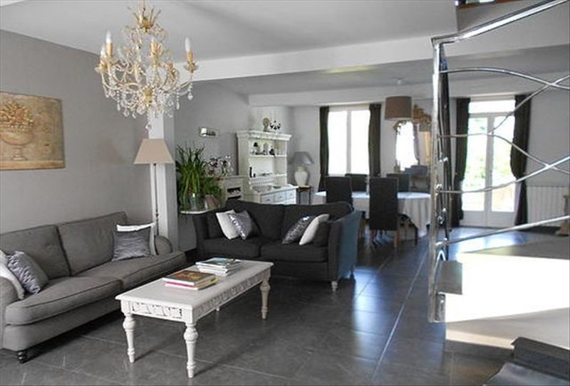 Deluxe sale house / villa L'isle jourdain 607 000€ - Picture 2