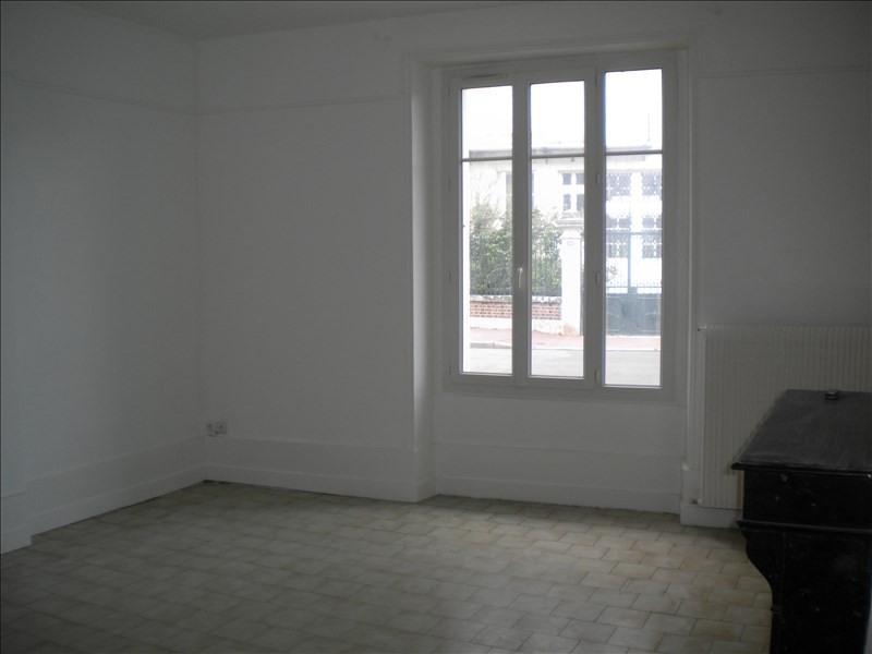 Rental apartment Vendome 452€ CC - Picture 4