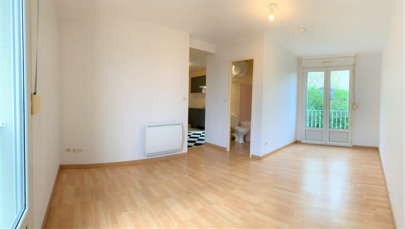 Rental apartment Méry-sur-oise 578€ CC - Picture 1