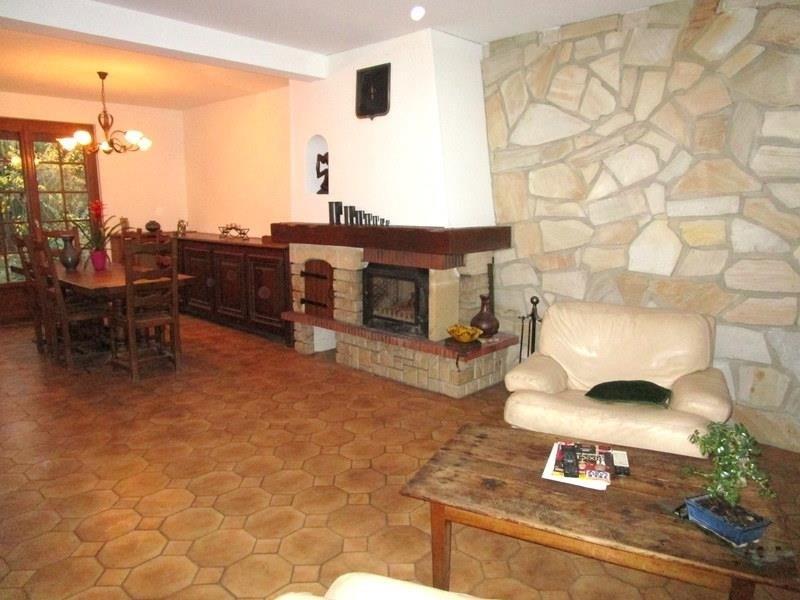 Sale house / villa Beauchamp 449500€ - Picture 3