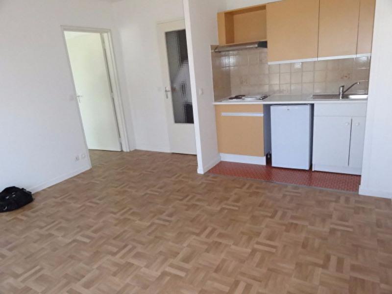 Rental apartment Montargis 435€ CC - Picture 2