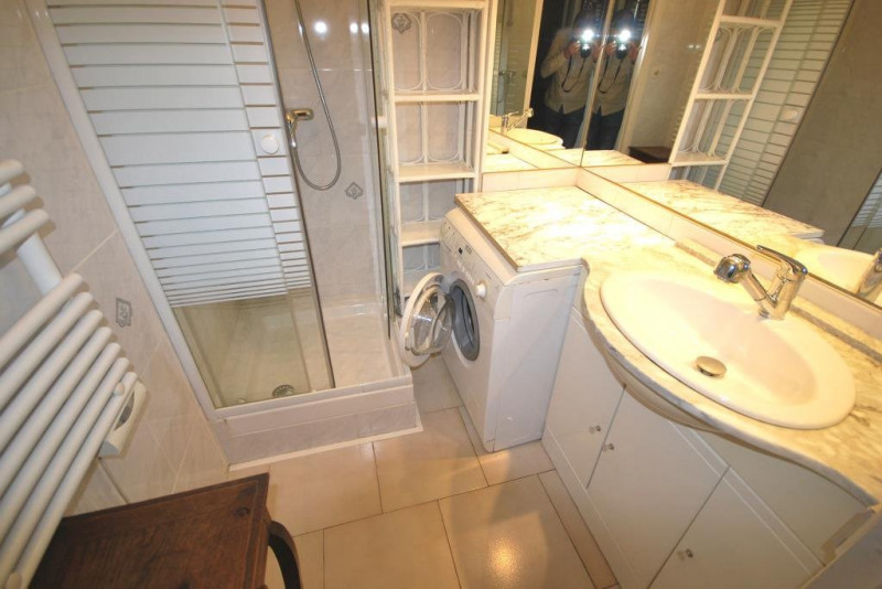 Location appartement Antibes 822€ CC - Photo 7