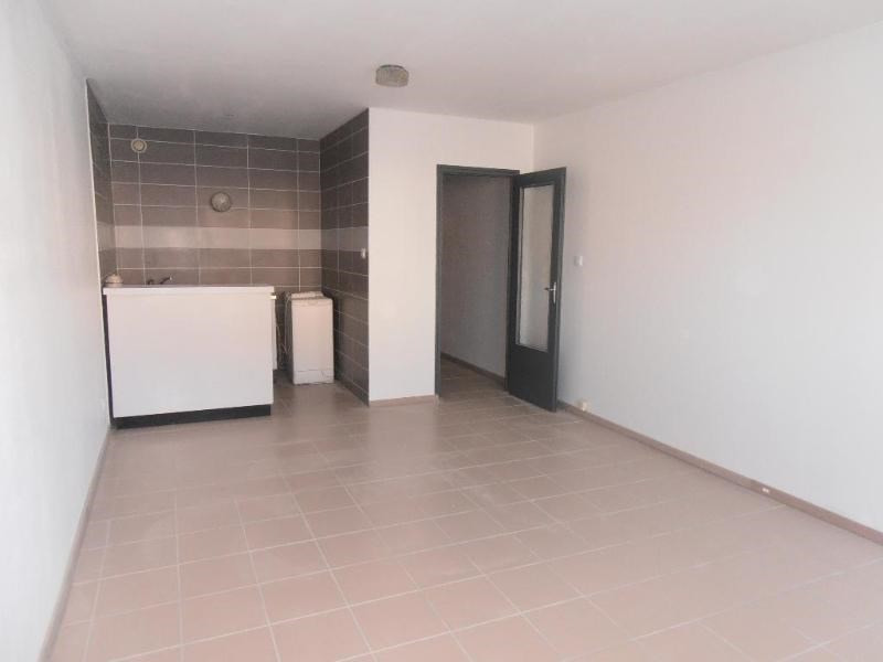 Rental apartment Oyonnax 375€ CC - Picture 2
