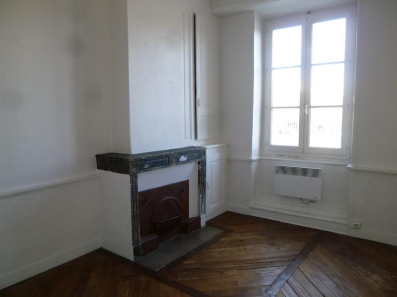Rental apartment St genis laval 772€ CC - Picture 5