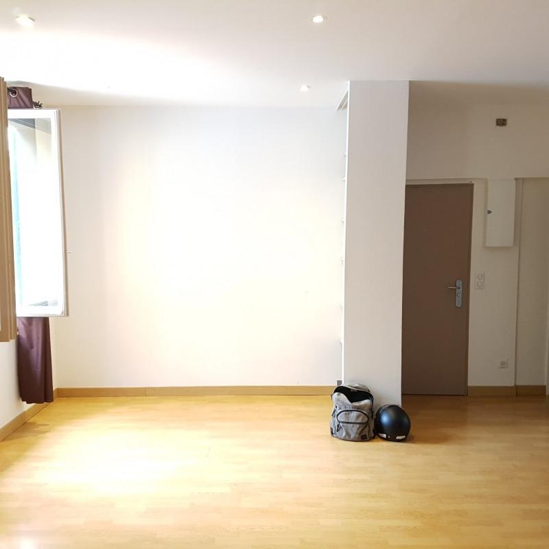 Rental apartment Aix-en-provence 850€ CC - Picture 2