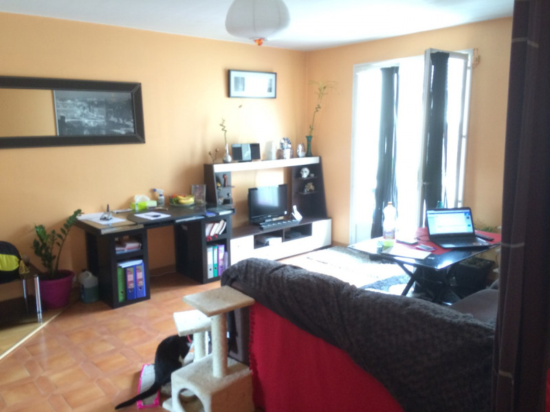Rental apartment Pierrelaye 693€ CC - Picture 1