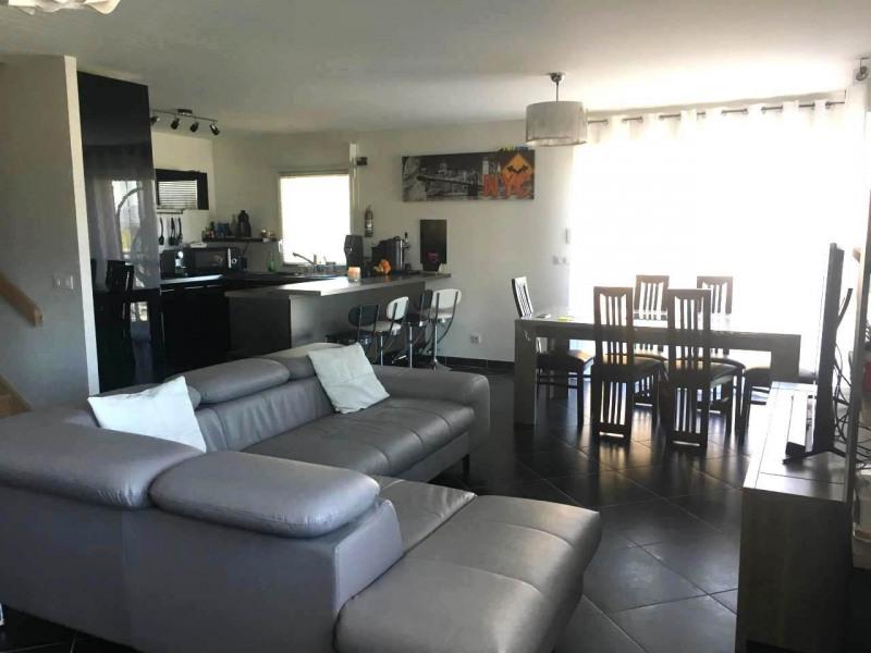 Rental apartment Saint-pierre-en-faucigny 1450€ CC - Picture 3