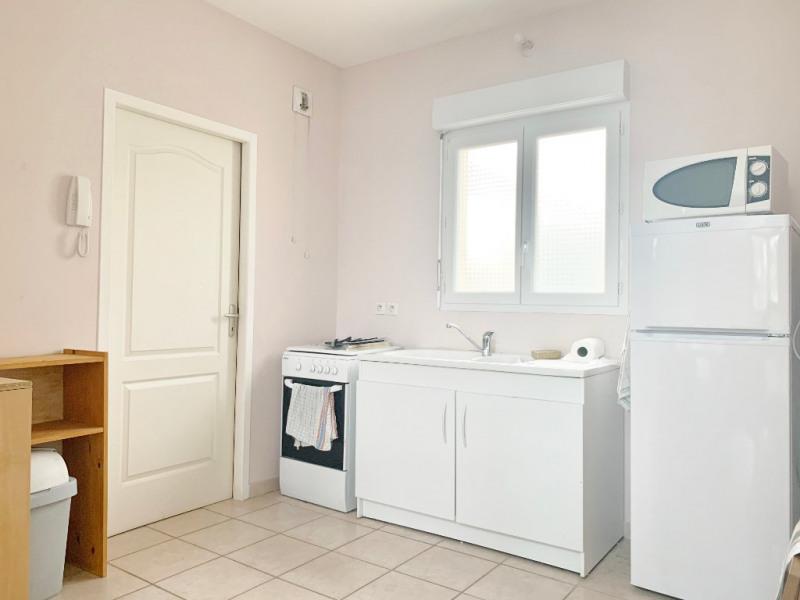 Rental apartment Bourgoin jallieu 550€ CC - Picture 2