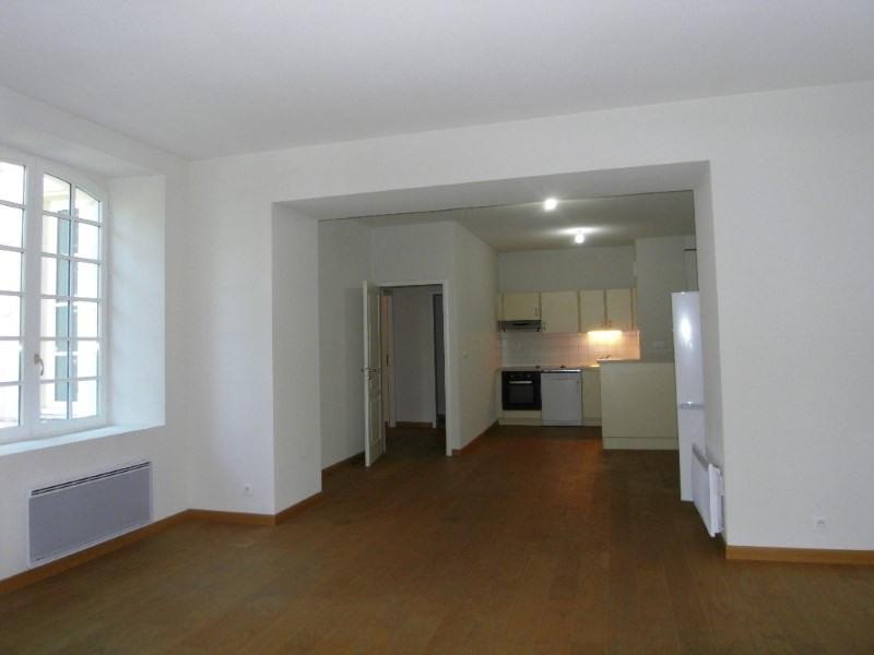 Location appartement Cognac 607€ CC - Photo 1