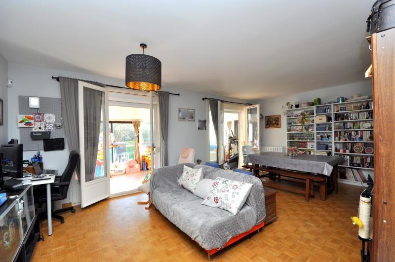 Sale house / villa Forges les bains 385000€ - Picture 2