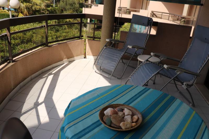 Location vacances appartement Cavalaire sur mer 500€ - Photo 4