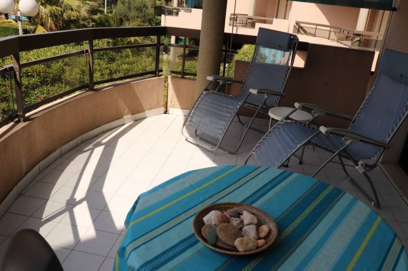 Vacation rental apartment Cavalaire sur mer 500€ - Picture 4