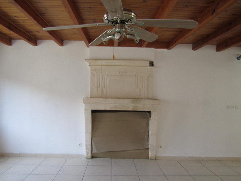 Sale house / villa Barbezieux saint-hilaire 161 200€ - Picture 3