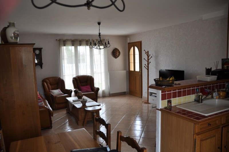 Location maison / villa Champs sur yonne 840€ CC - Photo 7