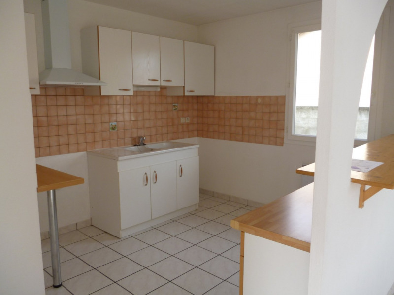 Rental house / villa Aureilhan 795€ CC - Picture 2