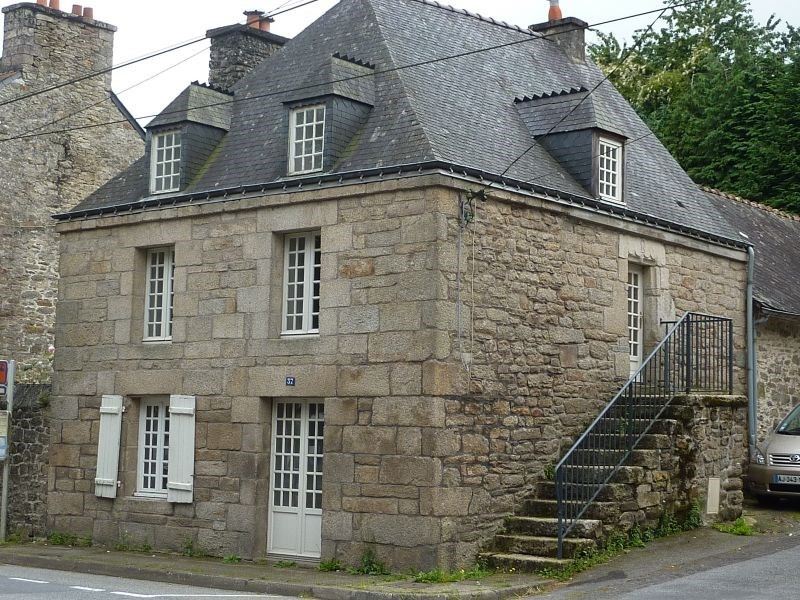 Rental house / villa Pontivy 425€ CC - Picture 1