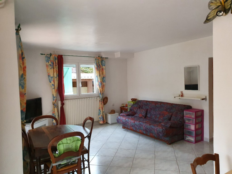Rental house / villa Meyrargues 1100€ CC - Picture 3
