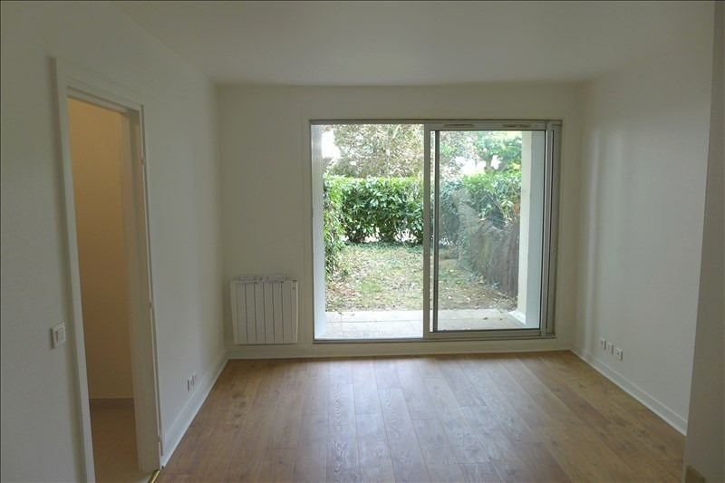Location appartement Garches 650€ CC - Photo 1