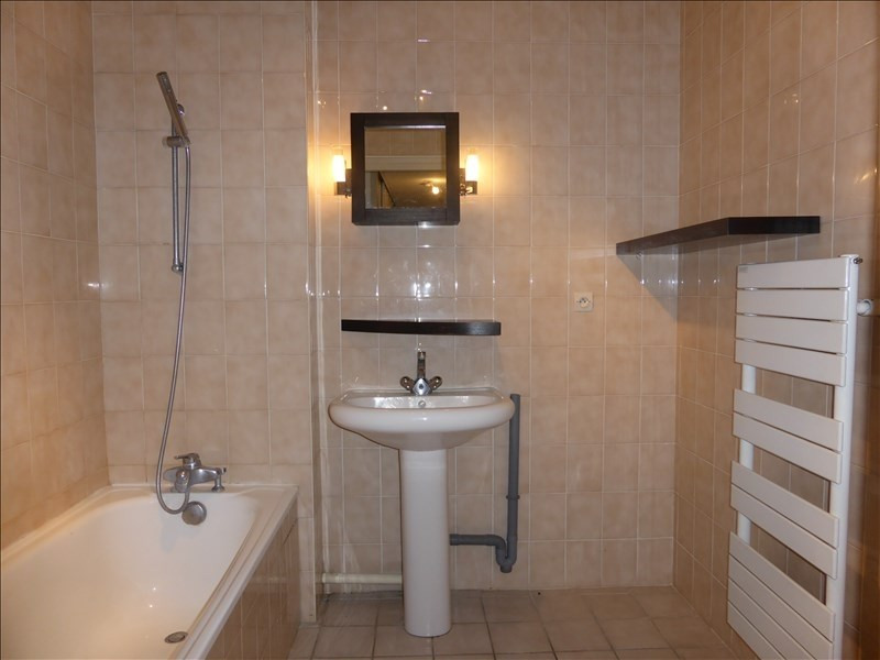 Rental apartment Prevessin-moens 1 132€ CC - Picture 7