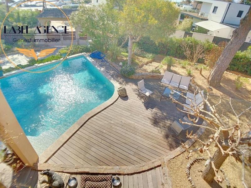 Deluxe sale house / villa Les issambres 990000€ - Picture 28