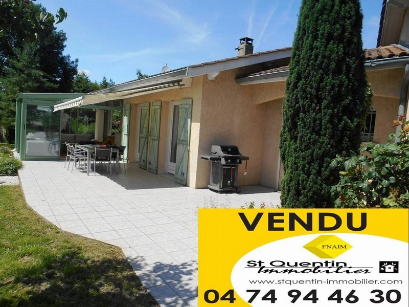 Sale house / villa Four 325 000€ - Picture 1