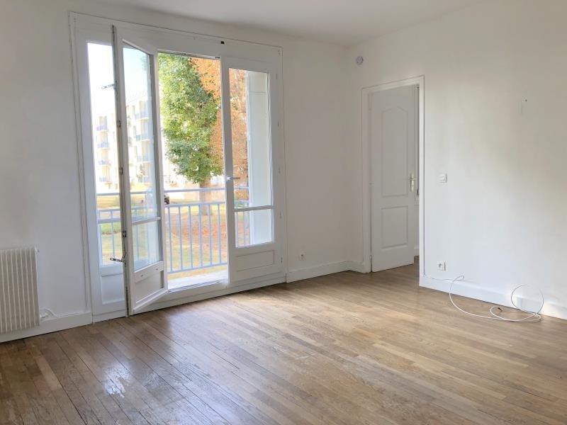 Rental apartment Le pecq 915€ CC - Picture 1