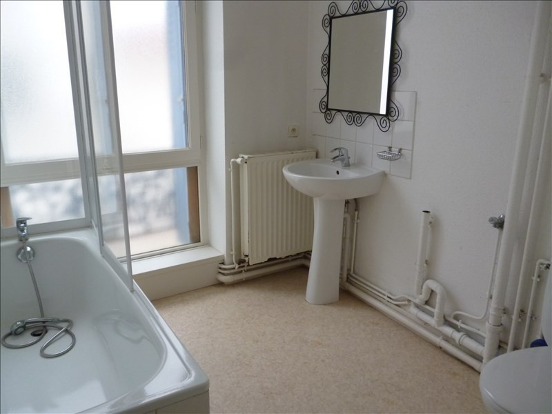 Rental apartment Le coteau 393€ CC - Picture 1