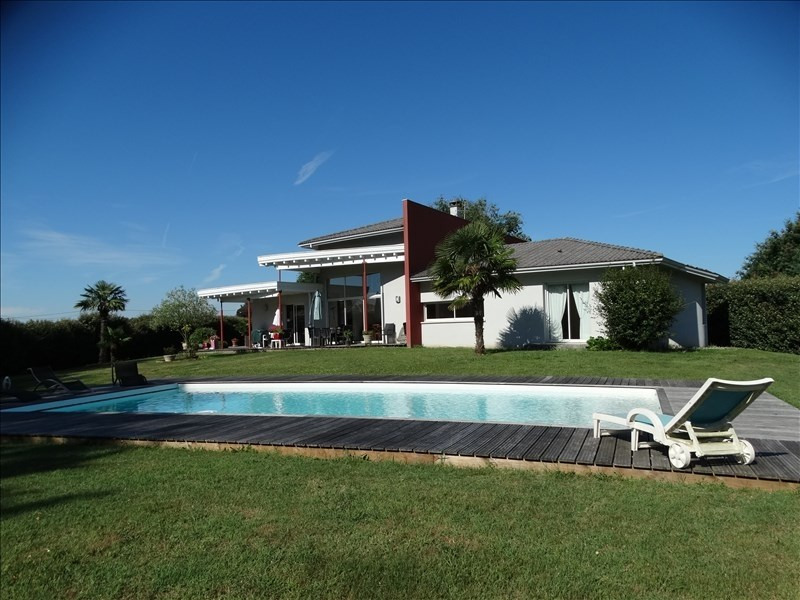 Deluxe sale house / villa Arsac 620000€ - Picture 1