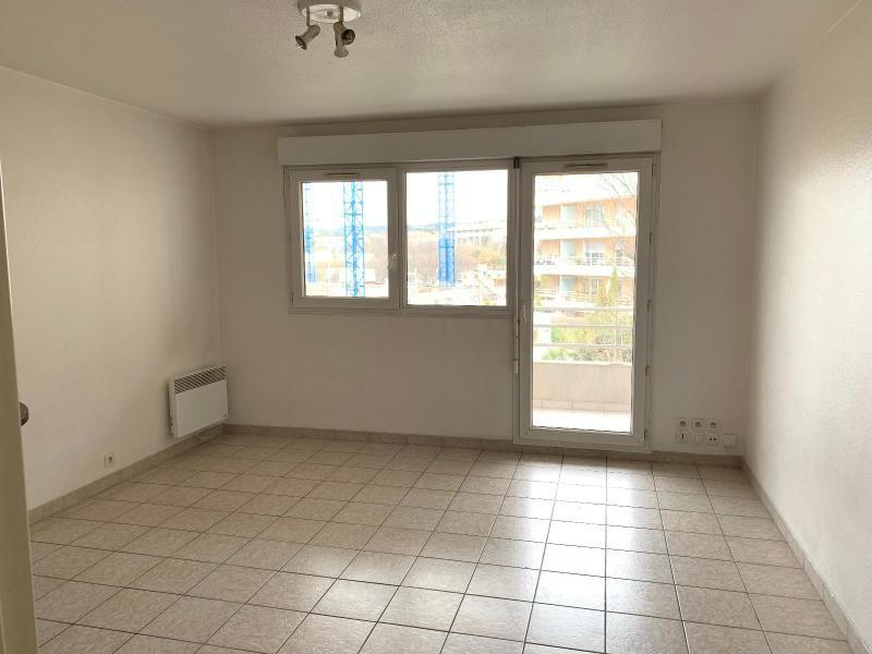 Rental apartment Aix en provence 570€ CC - Picture 1