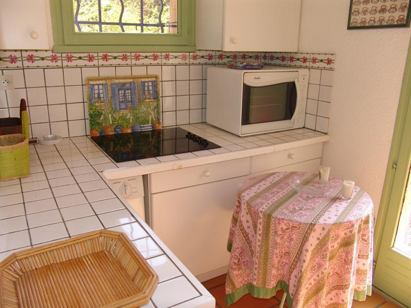 Location vacances maison / villa La croix valmer 770€ - Photo 8