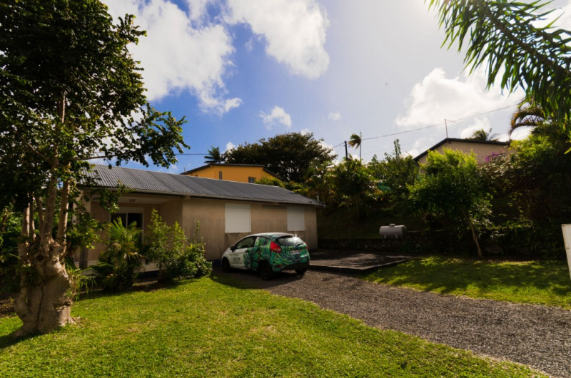 Location maison / villa Petite ile 719€ CC - Photo 1