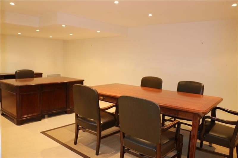 Rental office St nom la breteche 480€ HT/HC - Picture 4