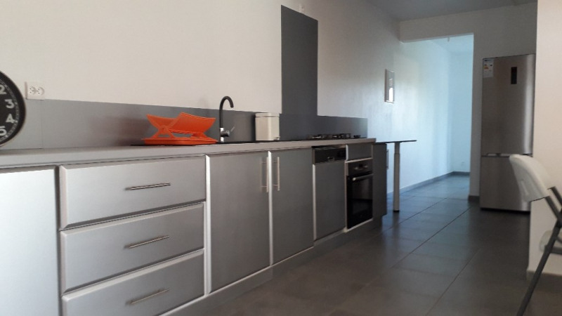 Location appartement Petit canal 800€ CC - Photo 3