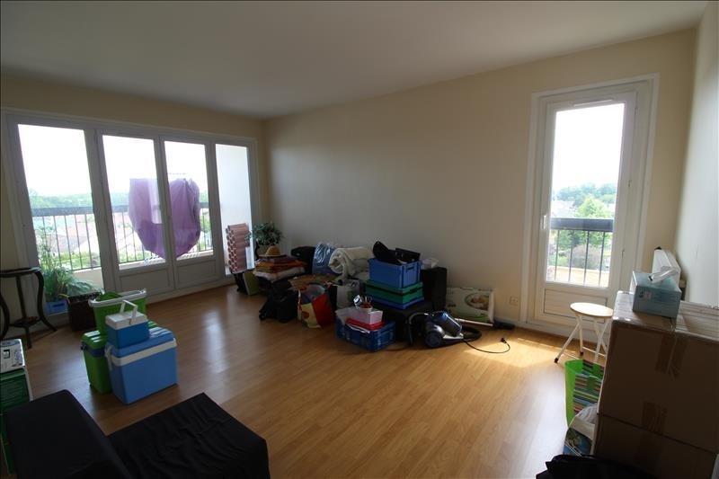 Rental apartment Elancourt 820€ CC - Picture 1
